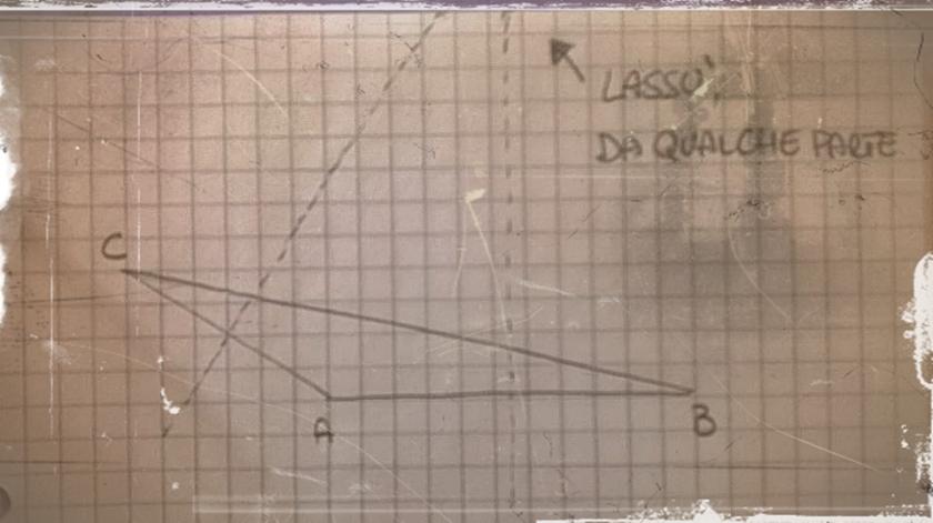 Reperto archeologico di Triangolo Qualunque e suo circocentro, (c) Laura Enriello, 2018, ilripassinodimatematica.com